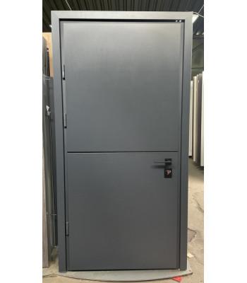 Двери STRAJ PROOF Пати А Терморазрыв на коробке