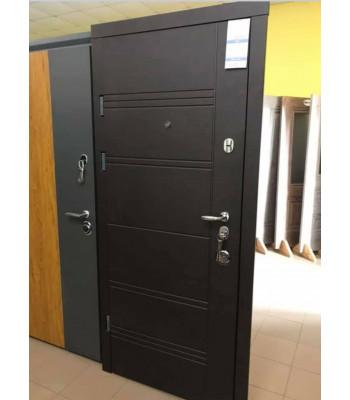 Двери МAGDA (Магда)  Элит Т-13 модель 140\605 черное стекло цвет дуб песочный